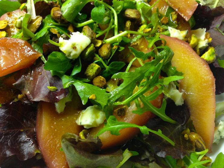 Quinze and pistachio salad